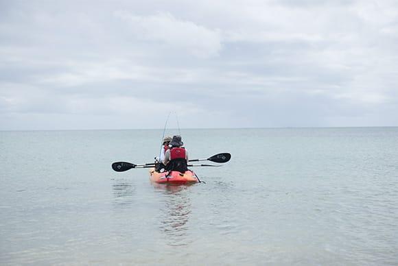 海の真ん中でのんびりと釣りの楽しさを体験