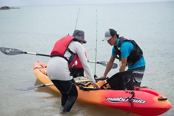 今日のガイドは大嶺さん。日本語しか話せないが、分かりやすく釣り方のサポートをしてくれる