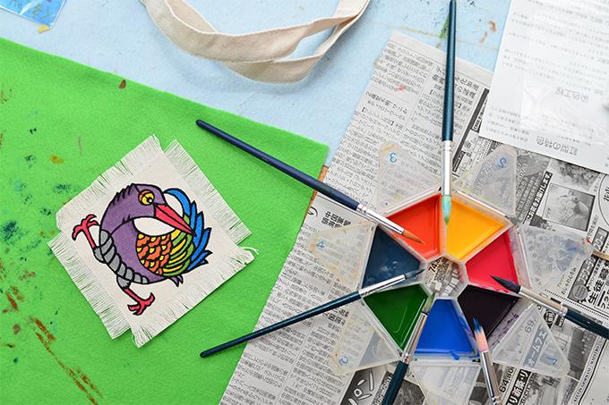 3~4歳の小さい子供から体験できる「色差し(塗り絵)」コース
